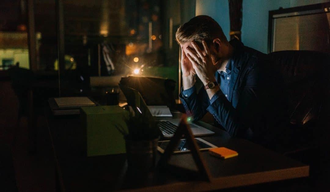 5 erros no controle de ponto que podem arruinar o seu negócio