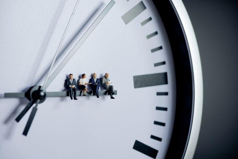 Horas extras: guia simples sobre gestão de ponto e banco de horas